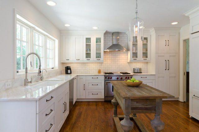 Metro white tile – decorating splashbacks