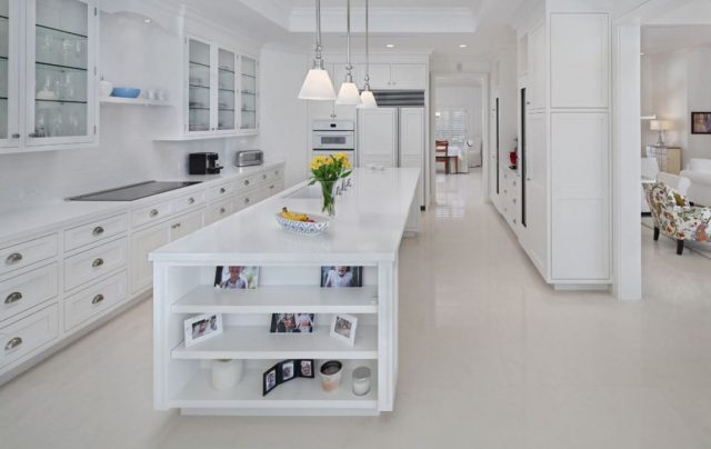 White glossy floor in the kitchen